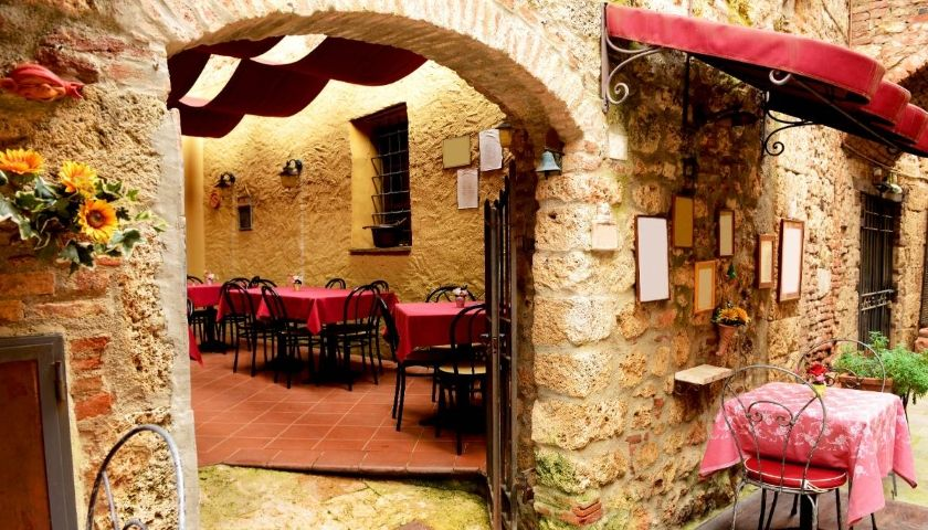 Top 10 Destinations in Puglia for Foodies and Wine Lovers img 30